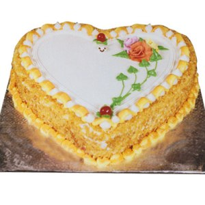 1/2Kg Butter Scotch Heart Shape cake
