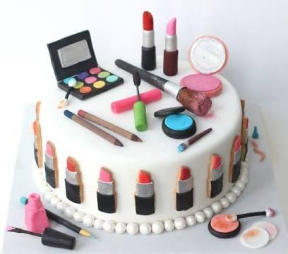 Online Fondant Designer Cake Delivery in Noida Midnight Fondant