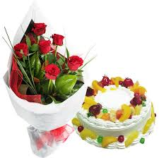 10red roses  500g fresh fruit eggless cake
